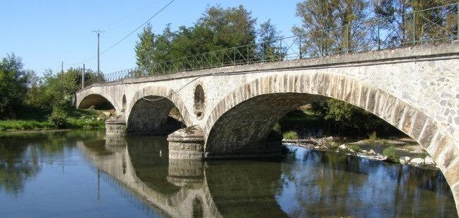 Réparation des fondations du pont de d'Estirac